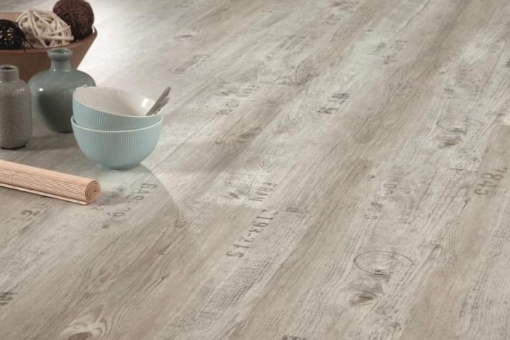 Primero wood victoria pine 24115 klick vinylboden for Boden mit schrift
